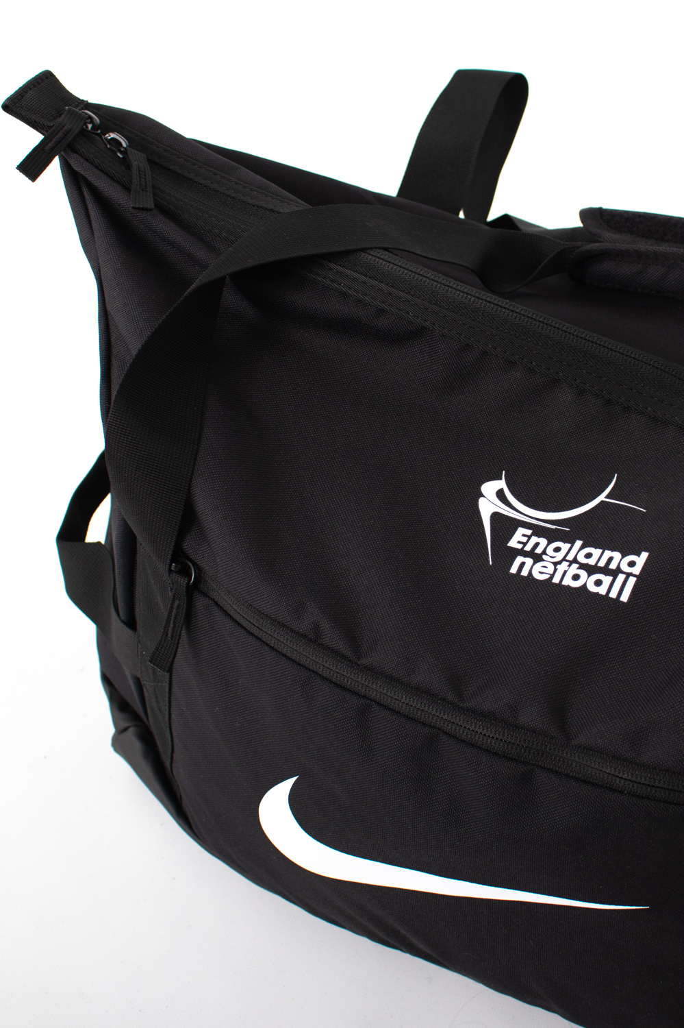EN-Kitlocker Team White Nike Medium Duffel Bag